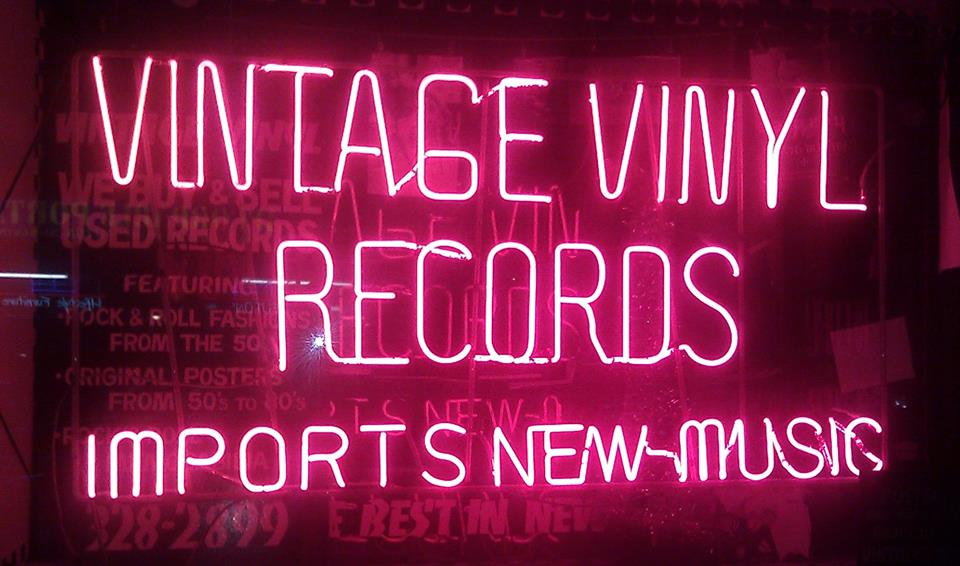 """""""Comes Love"""" in Record Stores: Vintage Vinyl, Rattleback and Reckless Records"""